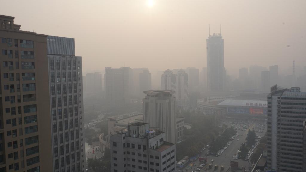 Eine chinesische Stadt im Smog