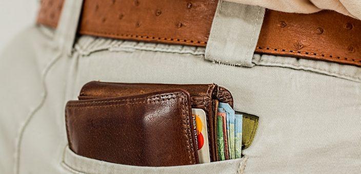 Passend zur Urlaubssaison: Drei gebührenfreie Kreditkarten im Vergleich
